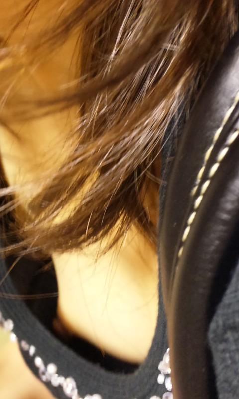【家庭内盗撮】家の中で撮られた胸チラ画像が激しくエロいwwwwwww【画像30枚】01_20180124003233b5c.jpg
