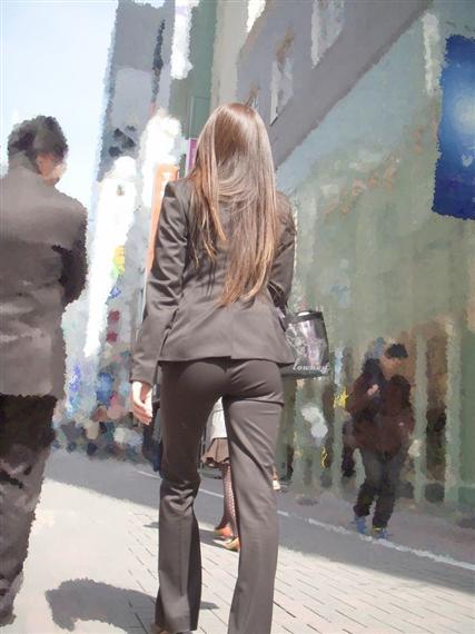 タイトなパンツスーツスタイルのOLさんのおしりがエロいwwwwwww【画像30枚】01_20180304005528cee.png
