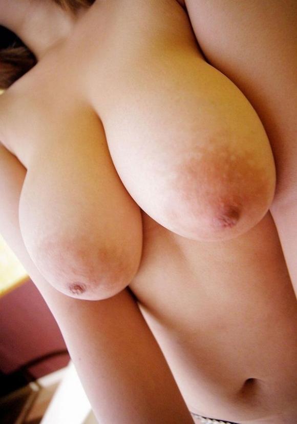 【デカパイ】乳房だけじゃなく乳輪まで大きくなった巨乳おっぱいwwwwwww【画像30枚】01_2018031602043868f.jpg