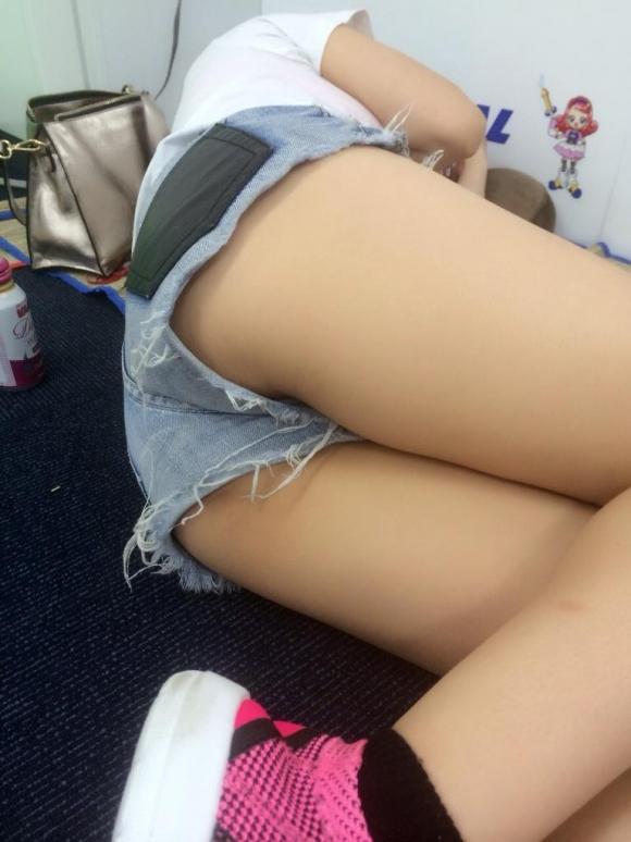 女の子が着るホットパンツっていうエロい服装wwwwwww【画像30枚】01_20180708003050a5d.jpg