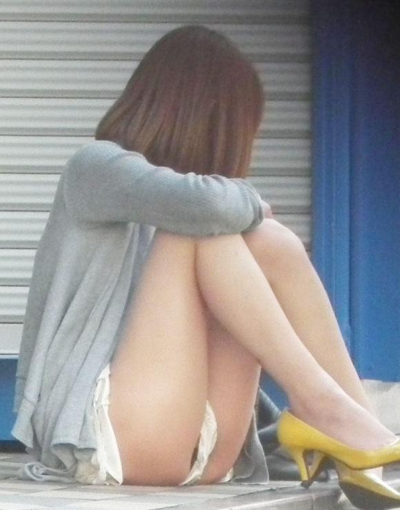 こんなエロい服装で外出しちゃう女の子結構いるんだなwwwwwww【画像30枚】02_201710280110091ee.jpg
