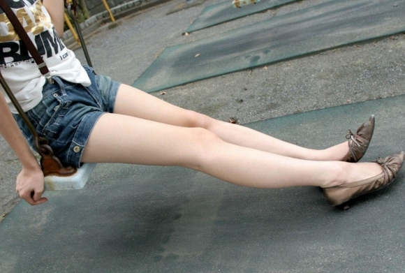 【脚フェチ】こんな自慢できる美脚を持つ女の子を彼女にしたいwwwwwww【画像30枚】02_20171104004416c87.jpg