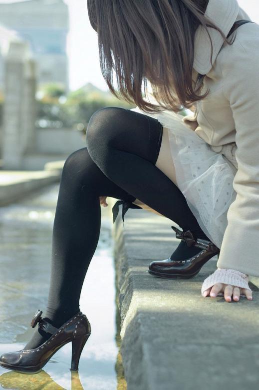 ニーハイ履いた美脚がエロカワイイwwwwwww【画像30枚】02_20171106010458e06.jpg