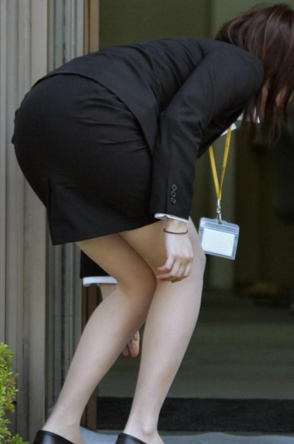 タイトスカート履いてるOLのピタっと感がエロいwwwwwww【画像30枚】02_20171203014952fae.jpg