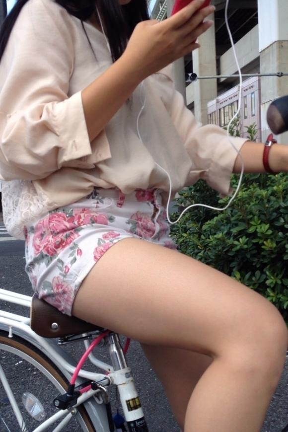 暑くなってきて生太ももを拝める服着る女の子が増えてハッピーwwwwwww【画像30枚】02_20180526005308953.jpg
