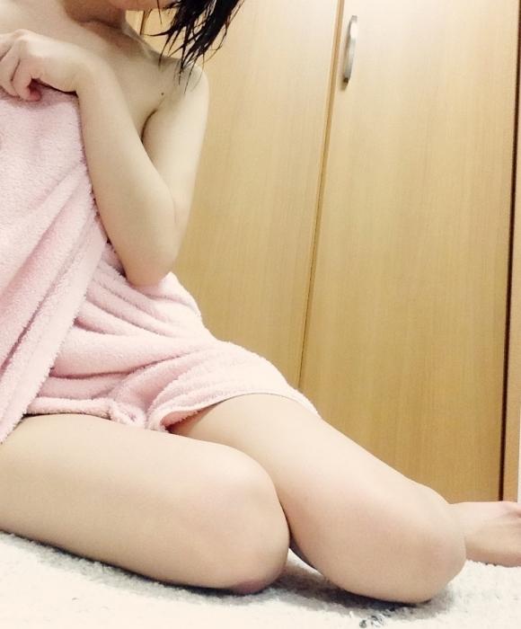 バスタオル巻いてる素人女子がめっちゃエロい件wwwwwww【画像30枚】02_201805280045101a0.jpg