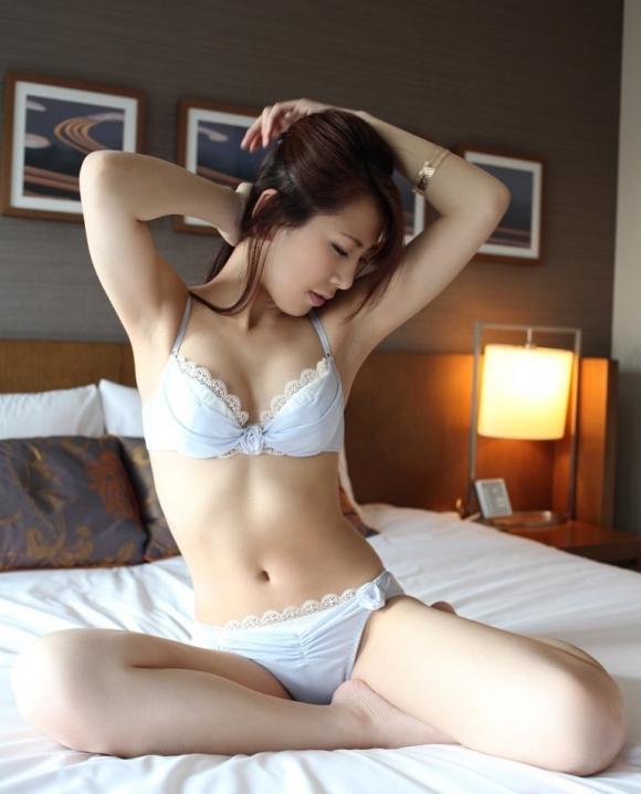 癒しのセクシー美女下着画像wwwwwww【画像30枚】03_20171109024452b39.jpg