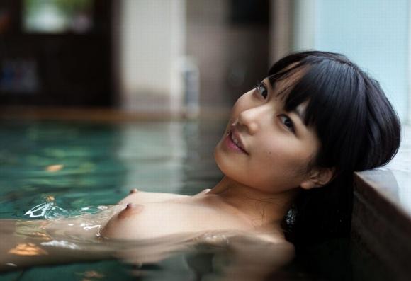 寒い日はこういう可愛い女の子とのぼせるまで一緒にお風呂に入りたいwwwwwww【画像30枚】03_201712050121451a2.jpg