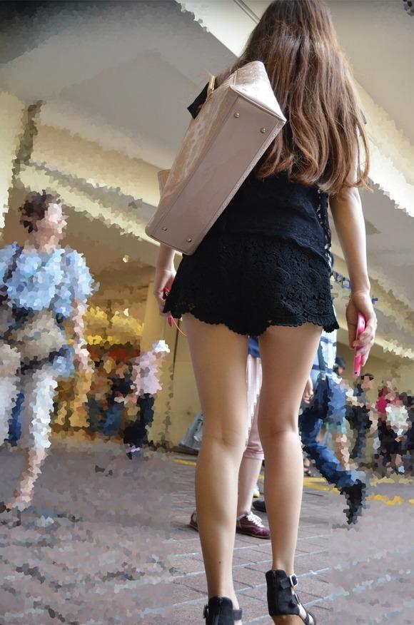 暑くなってきて生太ももを拝める服着る女の子が増えてハッピーwwwwwww【画像30枚】03_2018052600530994c.jpg