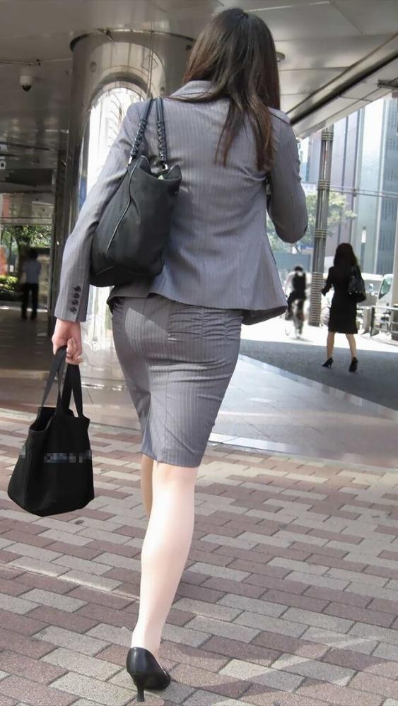 タイトスカートのおしりってくっそエロいよなwwwwwww【画像30枚】03_201805270048524bb.jpg