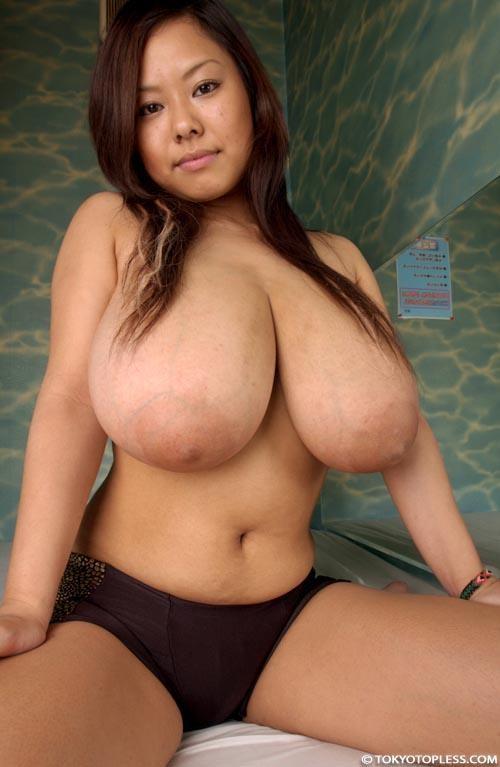 【おっぱい】この位の爆乳おっぱいを持つ彼女が欲しいwwwwwww【画像30枚】03_20180529011103031.jpg