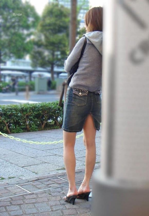 スリットスカートの割れ目から見える脚がくっそエロいwwwwwww【画像30枚】03_2018062801505552f.jpg