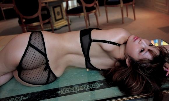 セクシーさが際立つ黒下着の女の子!【画像30枚】03_20180712011122f98.jpg