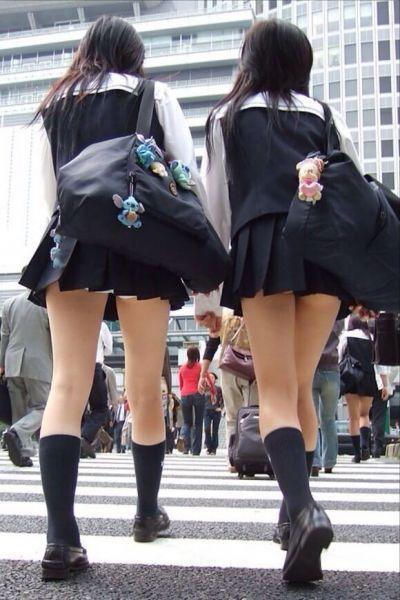 【女子校生】JKのパンツ見れるとなんでこんなにハッピーな気分になれるんだろうなwwwwwww【画像30枚】03_20180725010825932.jpg