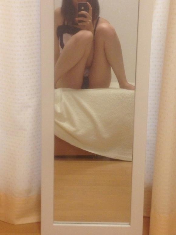 【ミラー女神様】素人女子が鏡を使って自撮りしてるのがくっそエロいwwwwwww【画像30枚】03_201808271502453e0.jpg