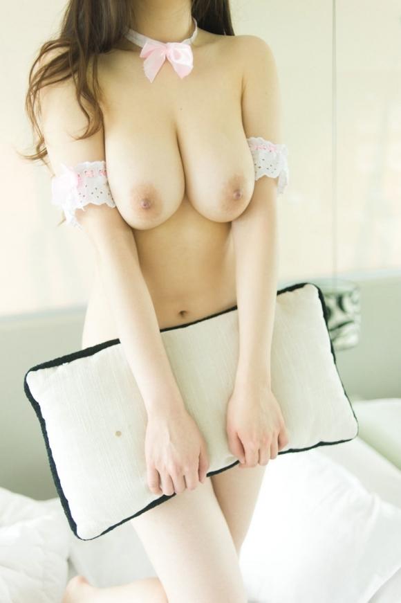 本物の天然巨乳おっぱいの柔らかさは異常wwwwwww【画像30枚】04_20171202014938c77.jpg