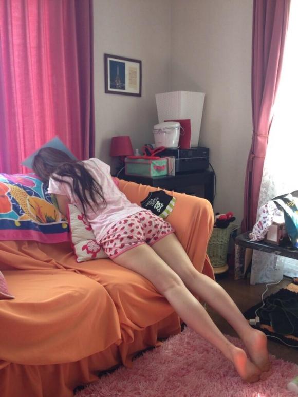 【素人】若い女の子が部屋着として着る短パンがミョーにエロいwwwwwww【画像30枚】04_20171223020329b7d.jpg