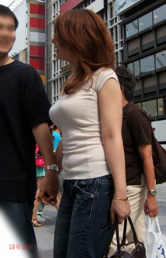 パツンパツンの着衣巨乳の女の子をたまに見るけど羨ましいよなぁぁぁwwwwwww【画像30枚】04_20180328005645c38.jpg