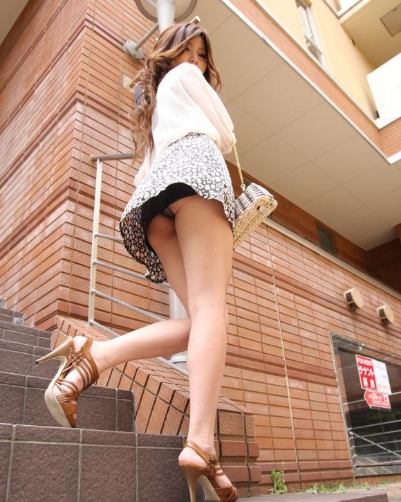【パンチラ】リアルに女の子のパンツを覗き見したいwwwwwww【画像30枚】04_20180528003654364.jpg