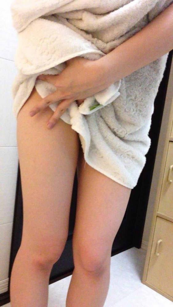 【女神様】お風呂上がりの火照った体を見せちゃう恥じらい素人女子wwwwwww【画像30枚】04_201806170045394d9.jpg