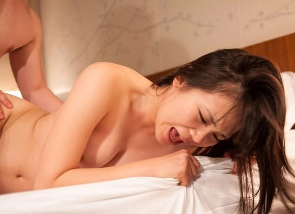 【アヘ顔】セックス中の女の子のイキそうになってる顔がくっそエロいwwwwwww【画像30枚】04_201807210107321bf.jpg