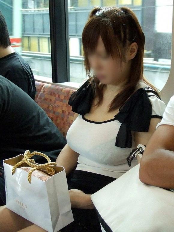 割とガチな着衣巨乳の破壊力wwwwwww【画像30枚】04_20180730144634056.jpg