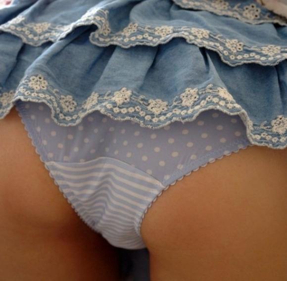 オマエラが好きな女の子の下着を貼ってくwwwwwww【画像30枚】04_20180907205042cf5.jpg