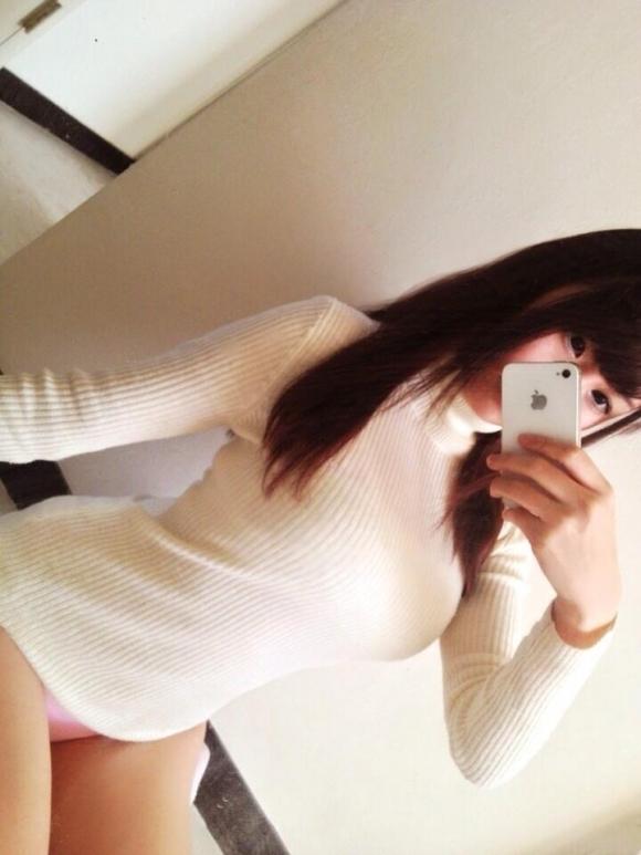 寒いシーズンのNo.1着衣巨乳ファッション→→→ニットセーターに限るwwwwwww【画像30枚】05_2017100613410852f.jpg