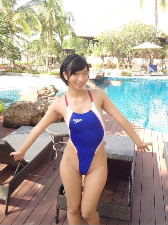 なぜかエロい作りになってるハイレグ水着を選ぶ女の子wwwwwww【画像30枚】05_201802090142136f6.jpg
