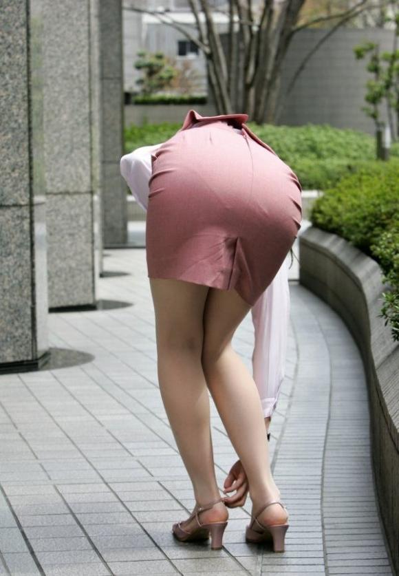タイトスカート履いてるOLのピタっと感がエロいwwwwwww【画像30枚】06_20171203014957be6.jpg