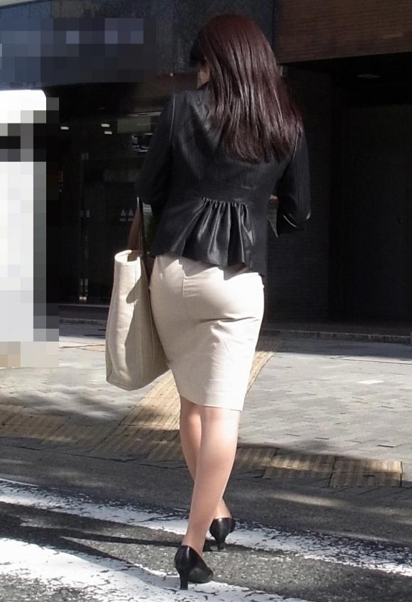 OLさんのタイトスカートがくっそエロいから貼ってくwwwwwww【画像30枚】06_20171206233239b56.jpg