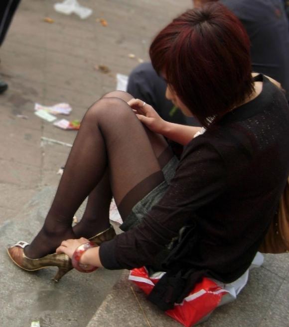 黒パンストを履いた脚がくっそエロいwwwwwww【画像30枚】06_20180131004411535.jpg