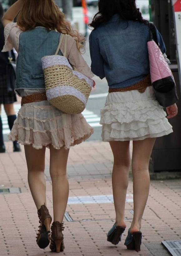 こういうソソる服装で外出する素人ってなんなん?wwwwwww【画像30枚】06_20180212001235d3f.jpg