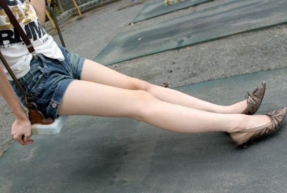 【脚フェチ】ヌケるレベルにエロい脚が最近の好みwwwwwww【画像30枚】06_2018032900312074b.jpg