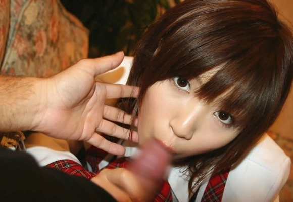 こういう目線を配ってフェラする女の子は絶対にアザトイwwwwwww【画像30枚】06_201806160136358d1.jpg