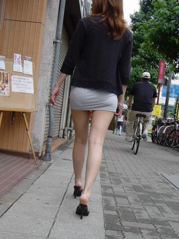 外歩いてるとよく透けパンティを見かけるんだよなぁwwwwwww【画像30枚】07_20171124011353e54.jpg