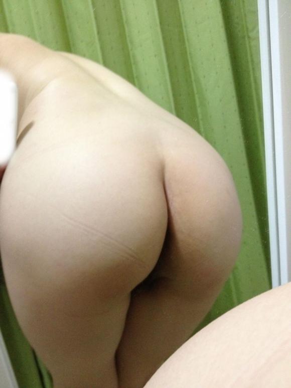 【自撮りおしり画像】SNSで素人女子自慢のイイ尻を検索してみたwwwwwww【画像30枚】07_20171208021900d73.jpg