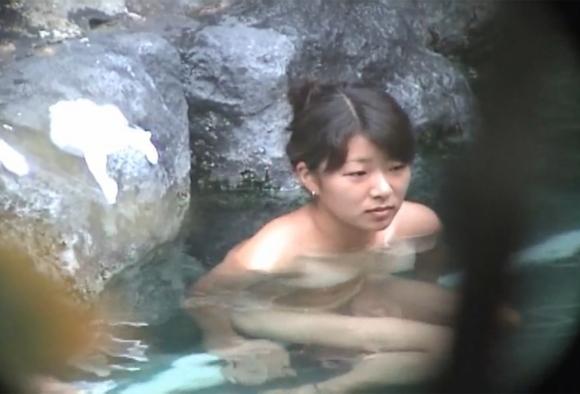 山奥の露天風呂で狙われた10代の女の子のおっぱいエロっっっwwwwwwwwwww07_20171211022508397.jpg