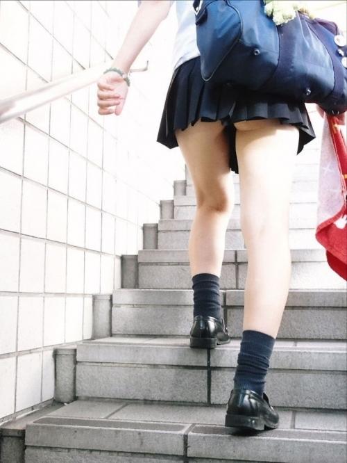 パンチラ見たいなら階段やエスカレーターがテッパンwwwwwww【画像30枚】07_20180122012709f2a.jpg