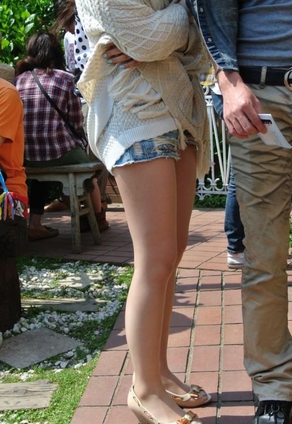 暑くなってきて生太ももを拝める服着る女の子が増えてハッピーwwwwwww【画像30枚】07_20180526005316ba9.jpg
