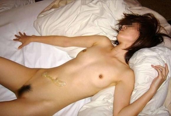 【流出画像】恥ずかしセックス事後画像を流出させられた素人ちゃんwwwwwww【画像30枚】08_20171213015135be4.jpg