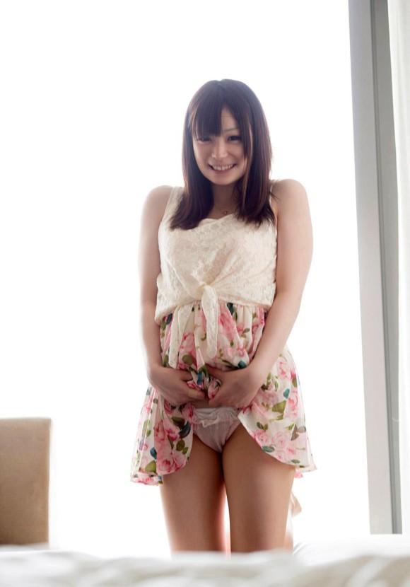 可愛い女の子のパンティ見れたら朝から元気出る!【画像30枚】08_2018082400211171c.jpg