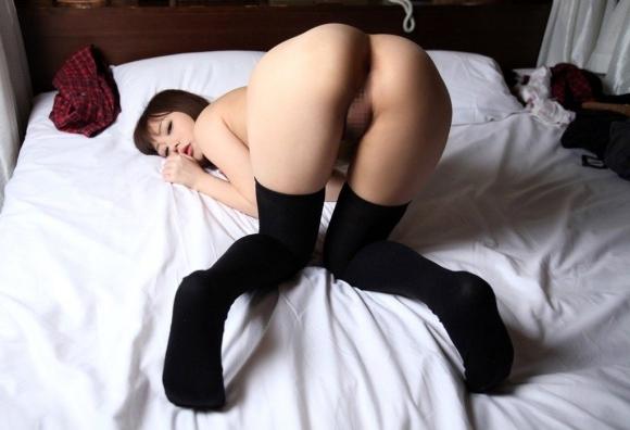 全裸なのに靴下だけ履いてるのがくっそエロいマジでwwwwwww【画像30枚】09_2017110901484538e.jpg
