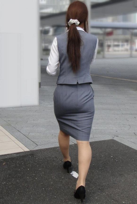 OLさんのタイトスカートがくっそエロいから貼ってくwwwwwww【画像30枚】09_20171206233244b69.jpg
