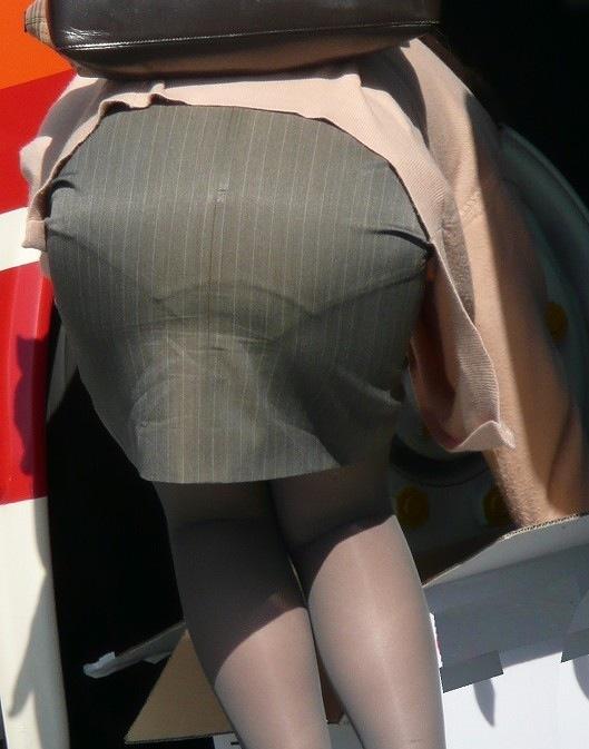 外で透けパンしてる女の子は盗み撮りの餌食になるに決まってるwwwwwww【画像30枚】09_20180429010440dc3.jpg