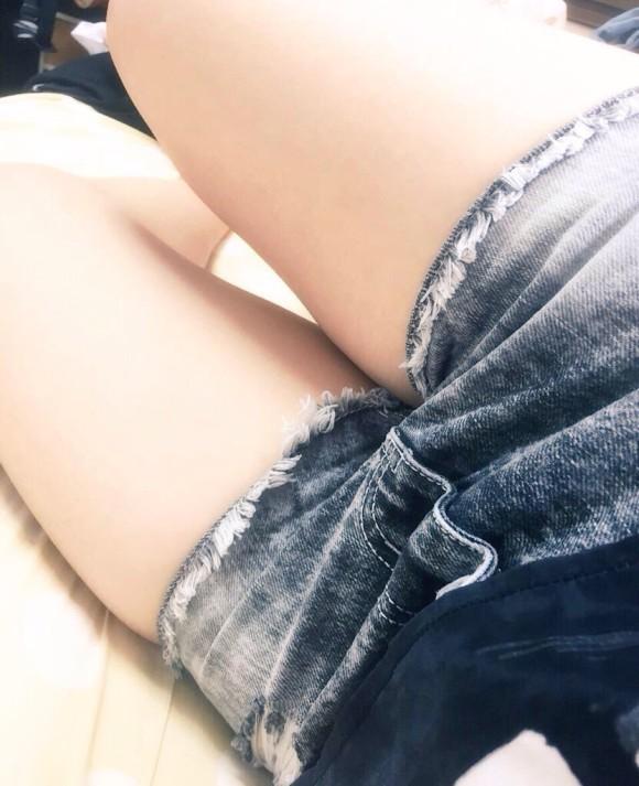 【素人の脚】素人の生脚がくっそエロいことをオマエラに教えてやる!wwwwwww【画像30枚】09_20180507010129567.jpg