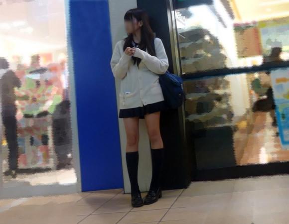 【女子校生】何気ないJKの太ももにエロさを感じるのはボクだけ?wwwwwww【画像30枚】09_20180917154314a89.jpg