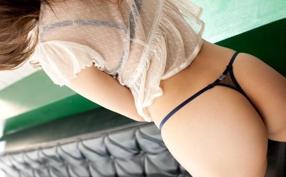 Tバックを履いた魅惑のヒップwwwww【画像30枚】10_201709280222017b5.jpg