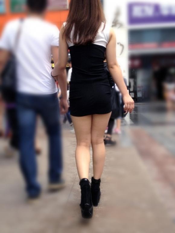 ミニスカートの女の子ってどうしても目がいってしまうwwwwwww【画像30枚】10_20171001023822913.jpg