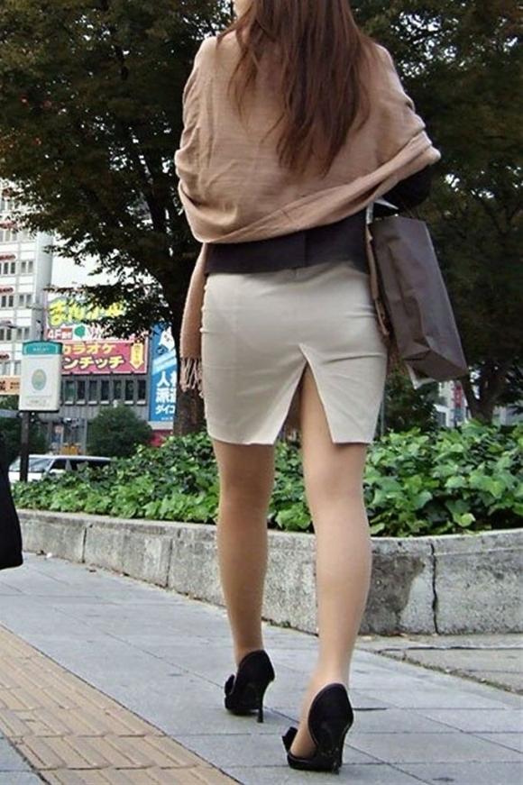 スリットスカートの割れ目から見える脚がくっそエロいwwwwwww【画像30枚】10_20180628015106440.jpg